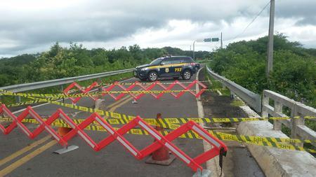 Ponte do Retiro que liga Piauí ao Ceará está interditada