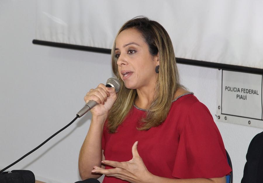 Delegada da Polícia Federal Larissa Magalhães