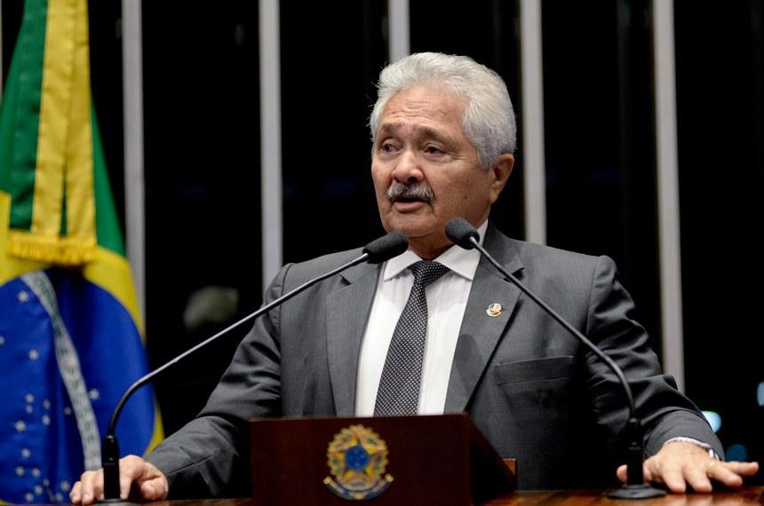 Senador Elmano Férrer (PMDB-PI)