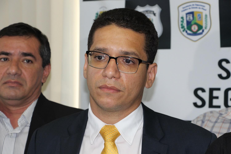 Secretário de Justiça Daniel Oliveira