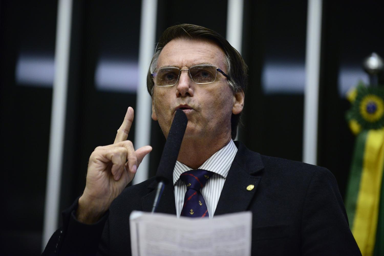 STJ mantém condenação de Bolsonaro por danos morais contra deputada