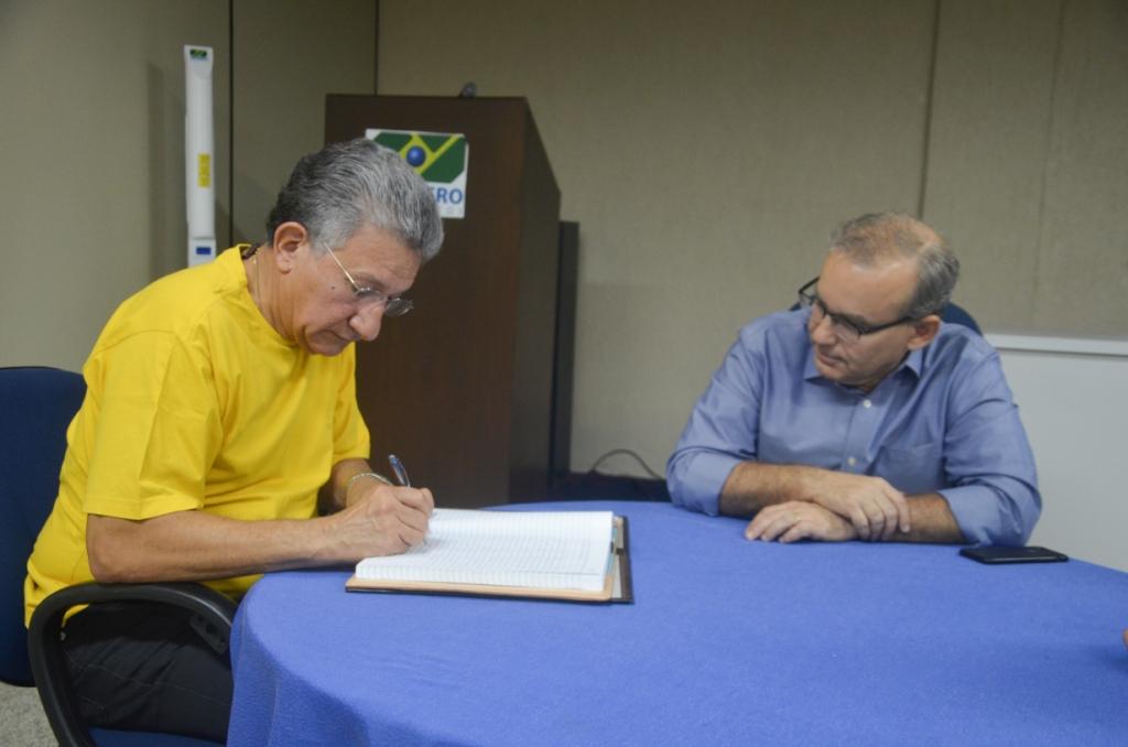 Firmino faz transmissão de cargo e Luís Júnior assume a Prefeitura