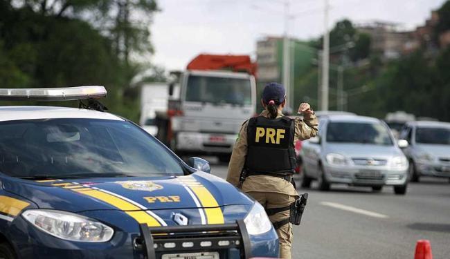 PRF reforça fiscalização em estradas de todo o país — Operação Independência