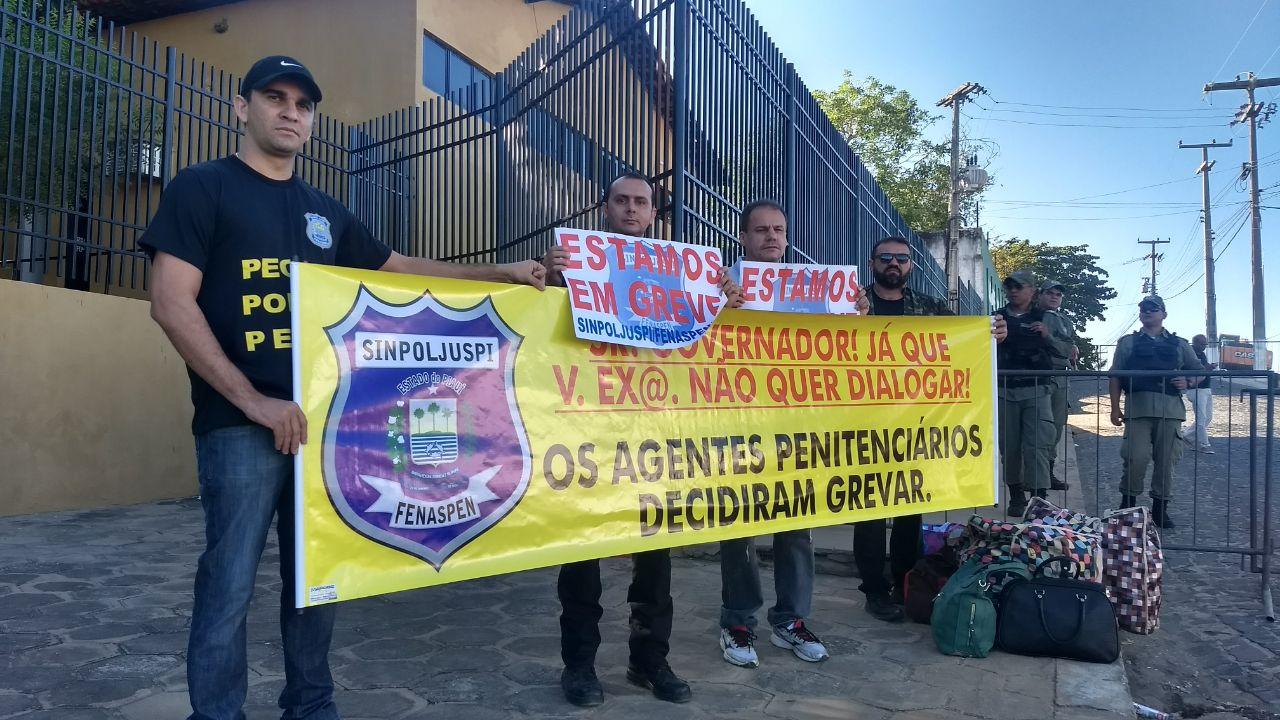 Daniel Oliveira diz controlar uma rebelião de agentes penitenciários