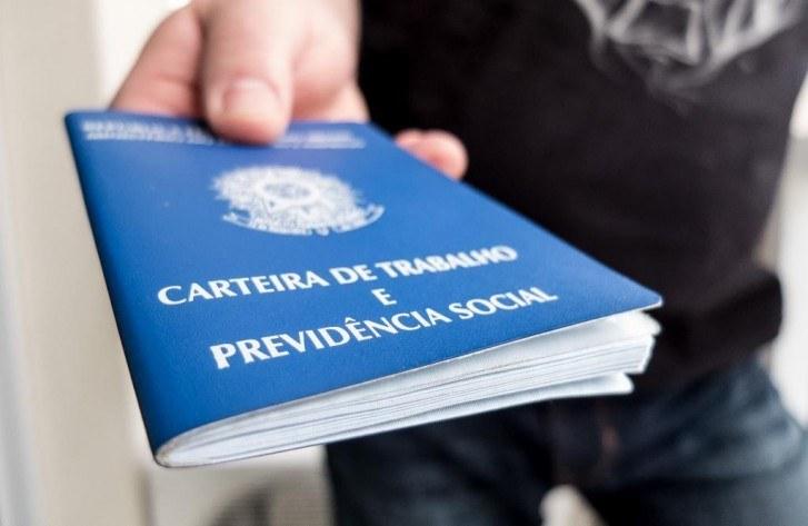 Desemprego cai, mas Brasil ainda tem 13,1 milhões sem trabalho