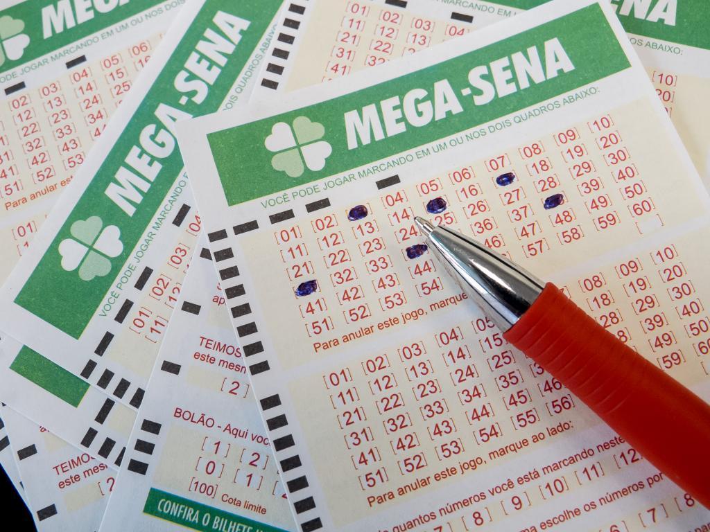 Mega-Sena acumula e pode pagar R$ 10 milhões no próximo sábado