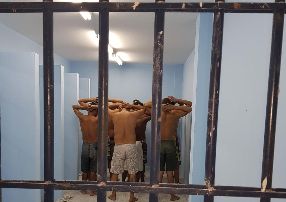 Presos transferidos para a nova unidade prisonal