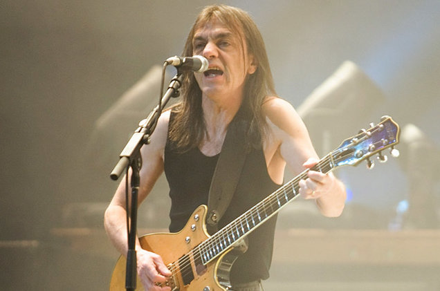 Malcolm Young, guitarrista do AC/DC, morre aos 64 anos