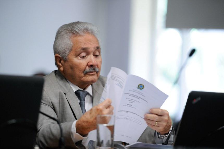 Senador Elmano Férrer (PMDB)