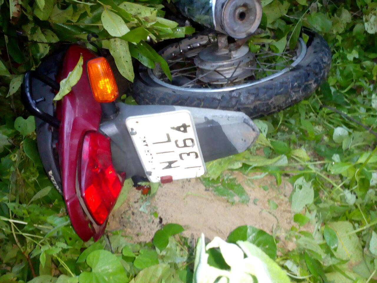 Motocicleta apreendida com o suspeito foi utilizada na fuga e no assalto.