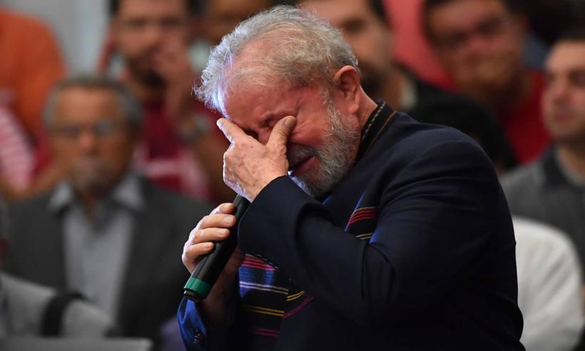 Ex-presidente Lula se emocionou ao relembrar momentos em que esteve ao lado da esposa Marisa Letícia.