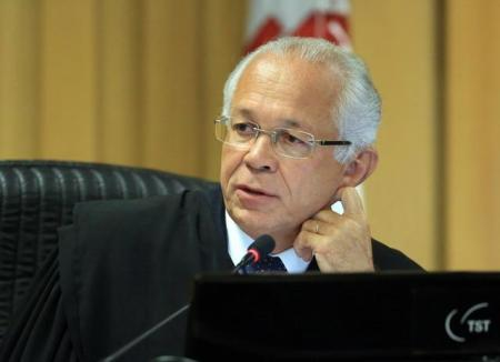 Ministro João Batista Brito Pereira.