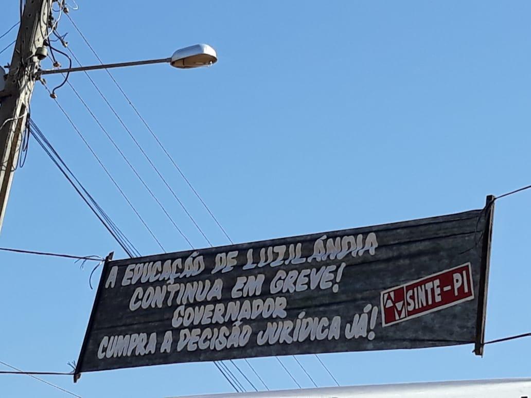 Sinte-PI protesta em Luzilândia com chegada do governador.