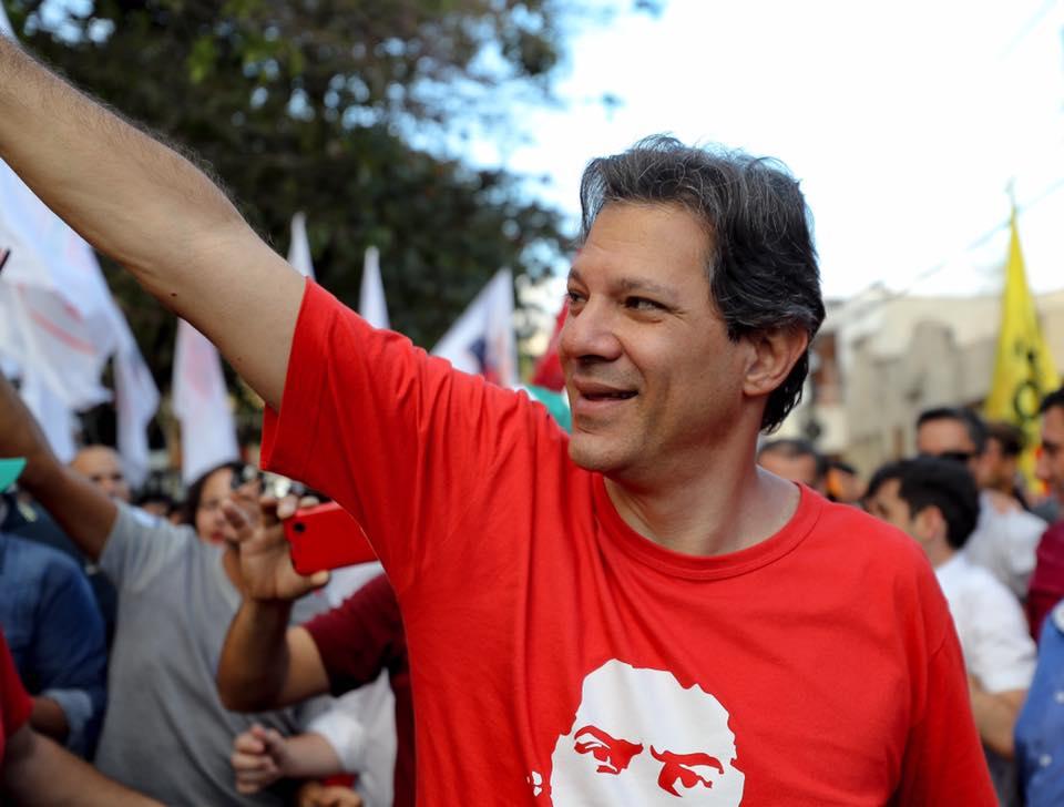 Fernando Haddad substitui Lula na disputa pela Presidência.