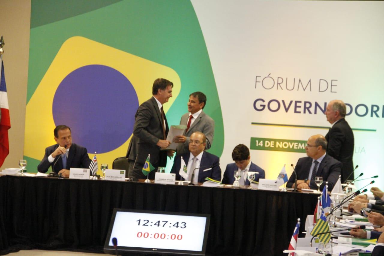 O documento contém reivindicações de governadores da região