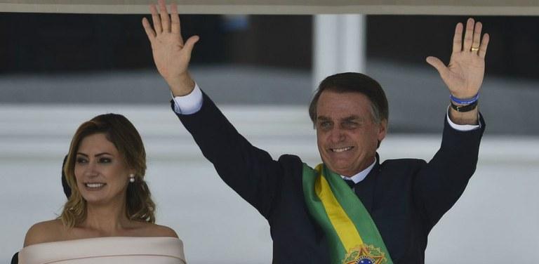 Presidente eleito fez discurso após receber a faixa do ex-presidente Michel Temer