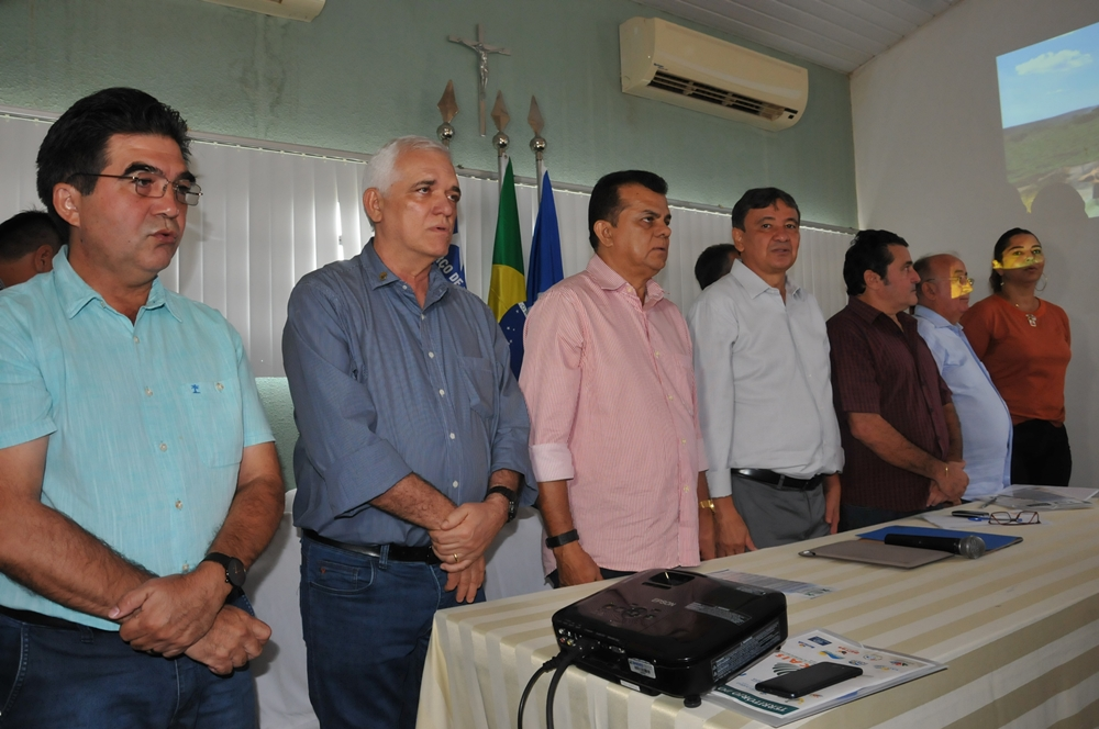 Governador participa de encontro de prefeitos do Citicocais.