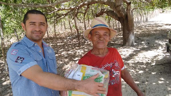 Famílias agraciadas com cestas básicas da Fundac(Imagem:Divulgação/Fundac)