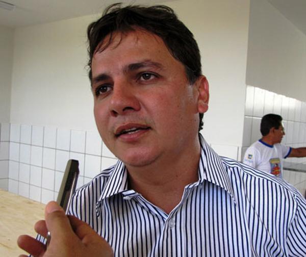 Prefeito Everardo Araújo de Moura Carvalho.(Imagem:Reprodução)